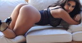 Charlotte Springer wows fans with sexy Instagram pics
